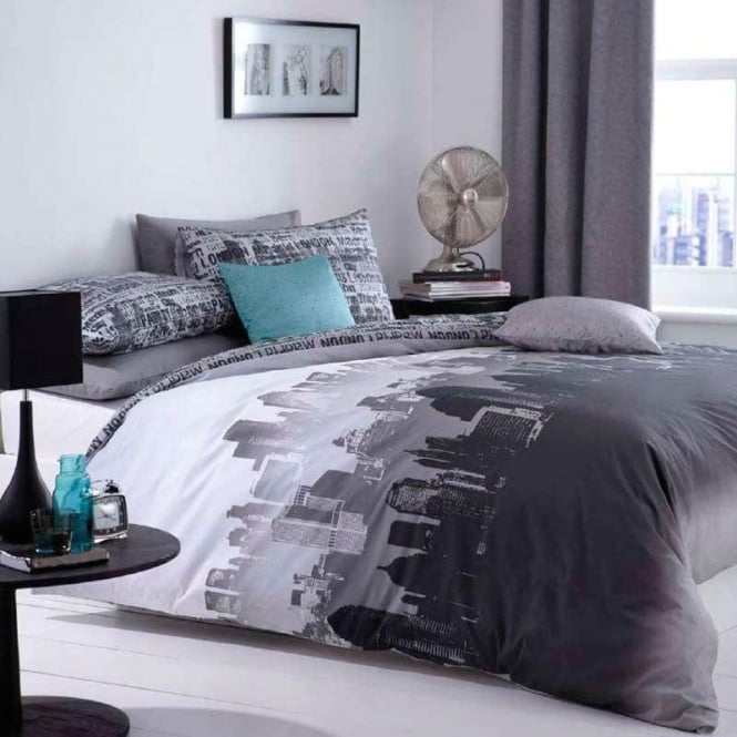 Catherine Lansfield Cityscape Duvet Set in Grey