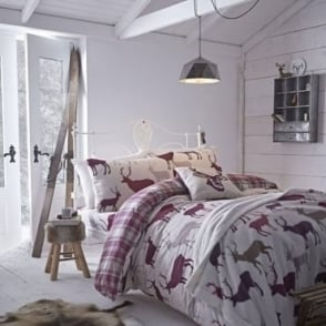 Grampian Stag Duvet Set in Mulberry