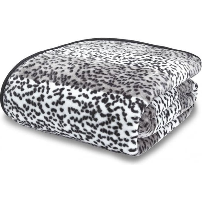 Catherine Lansfield Raschel Giraffe Print Throw in Silver