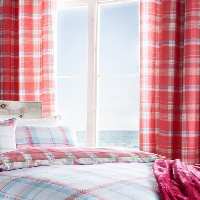 Catherine Lansfield St Ives Check Eyelet Curtains in Red