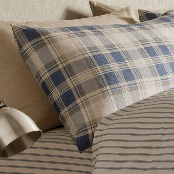 Catherine Lansfield Tartan Housewife Pillowcases in Navy