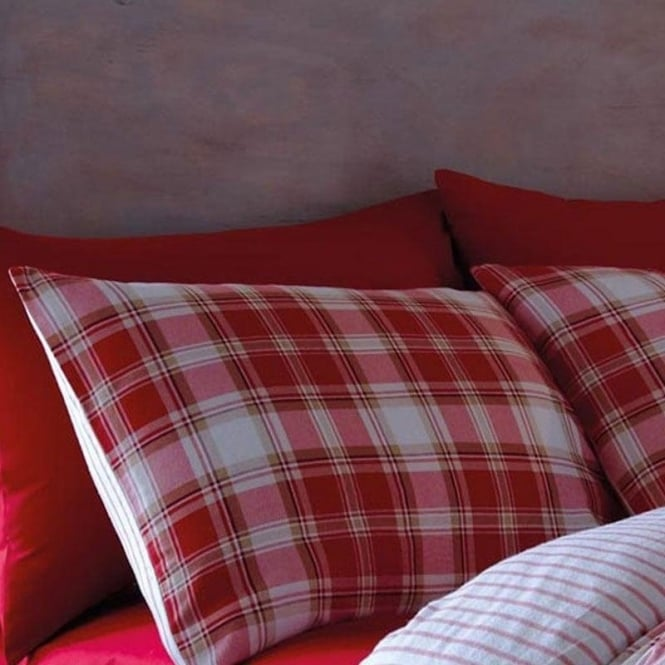 Catherine Lansfield Tartan Housewife Pillowcases in Red