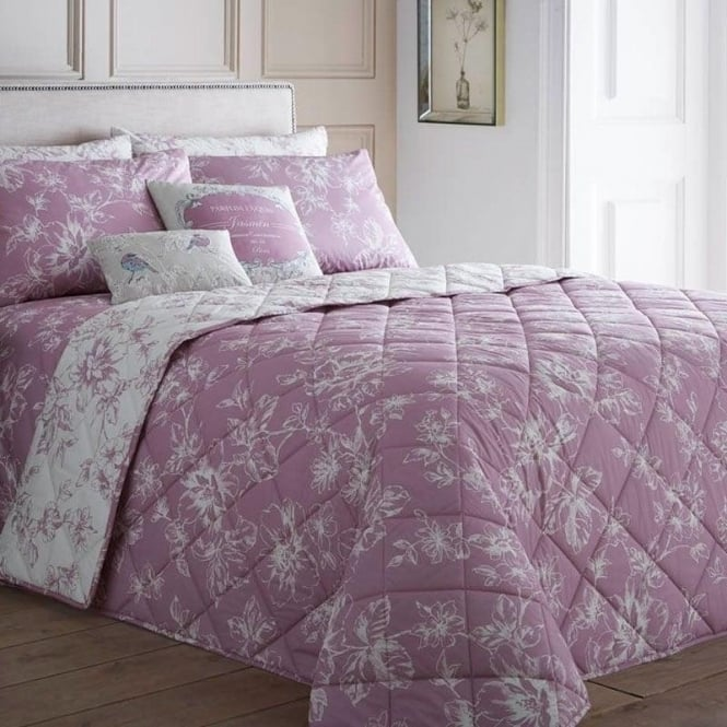 Dreams & Drapes Chepstow Bedspread in Pink