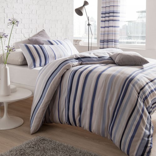 Knitted Stripe Bed Set